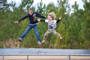 Pilares para criar hijos felices